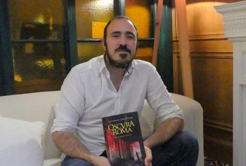 "Entrevista en Todo Literatura con motivo de la publicación de ""Oscura Roma"""